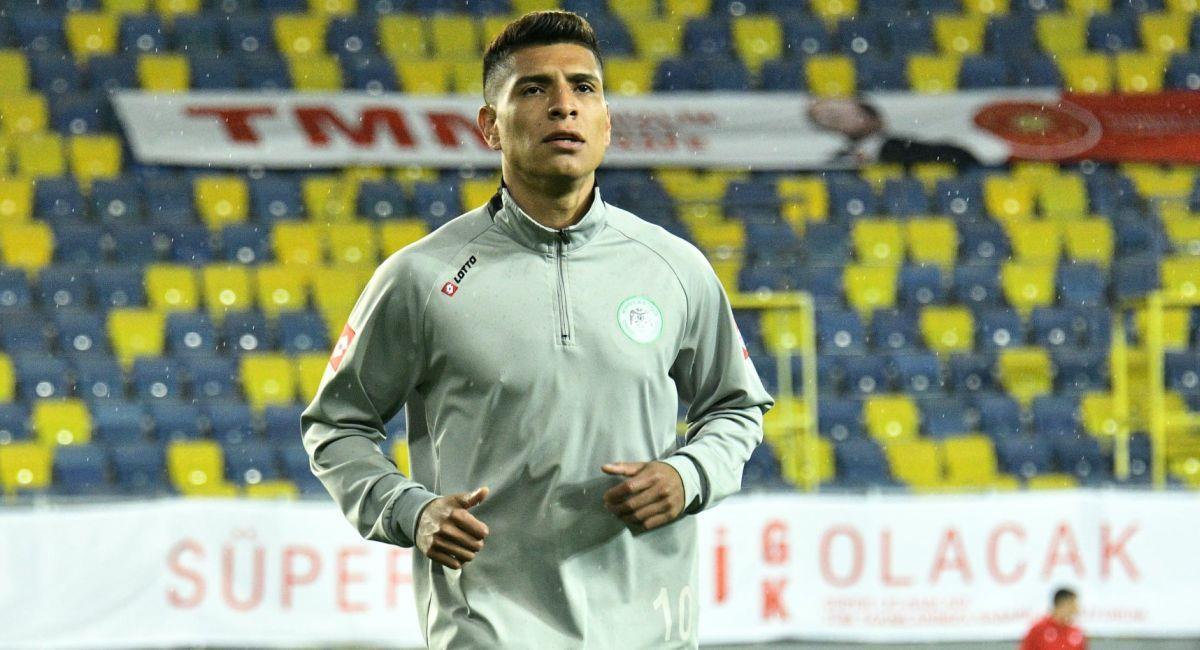 Paolo Hurtado, con el Konyaspor de Turquía. Foto: Facebook Konyaspor