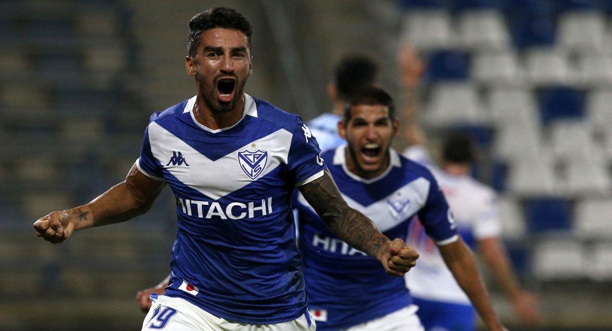 Vélez Sarsfield ya está entre los cuatro mejores de la Copa Sudamericana. Foto: EFE