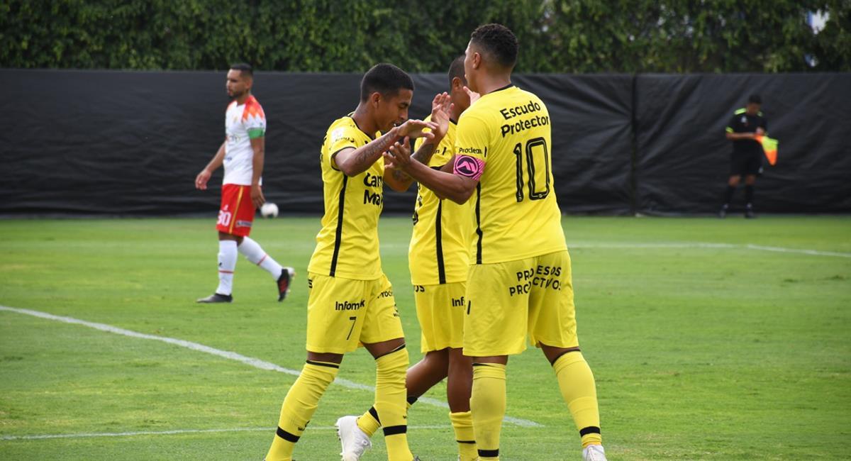 Luis Aguirre fue la figura en Coopsol con un doblete. Foto: Prensa FPF