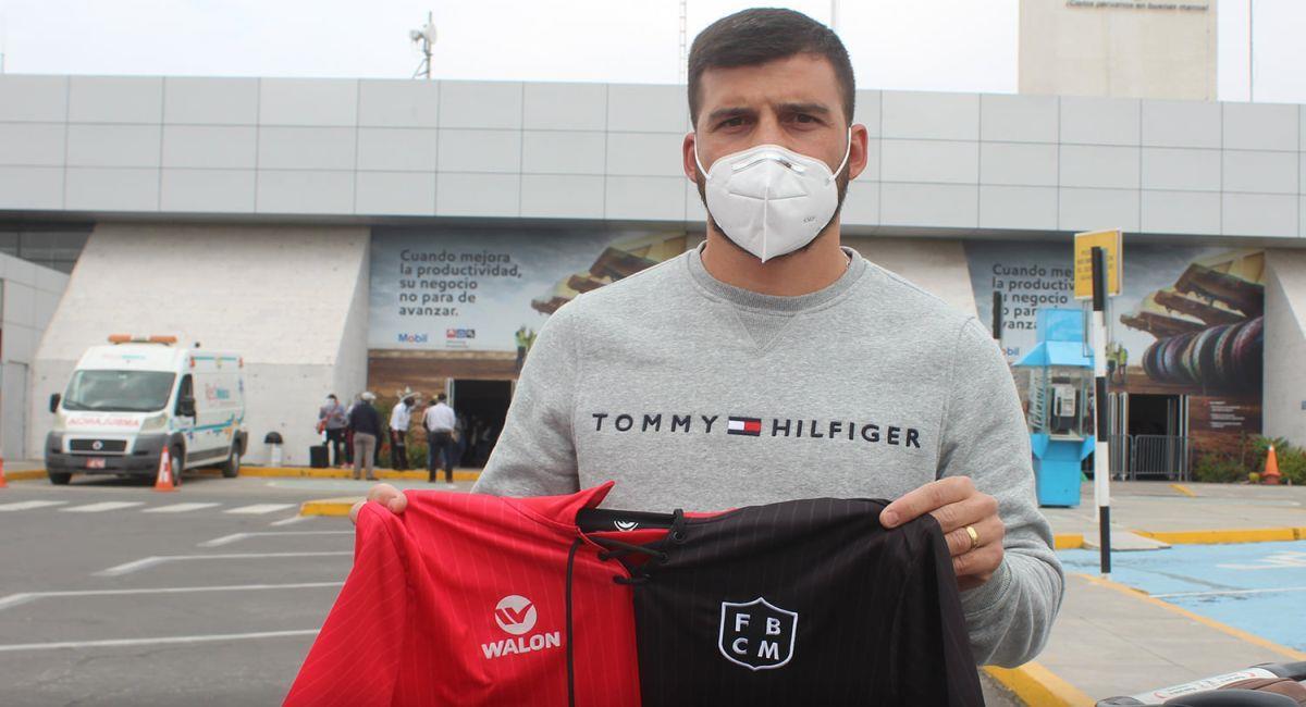 Bernardo Cuesta vuelve a ponerse la divisa de Melgar. Foto: Facebook Club Melgar