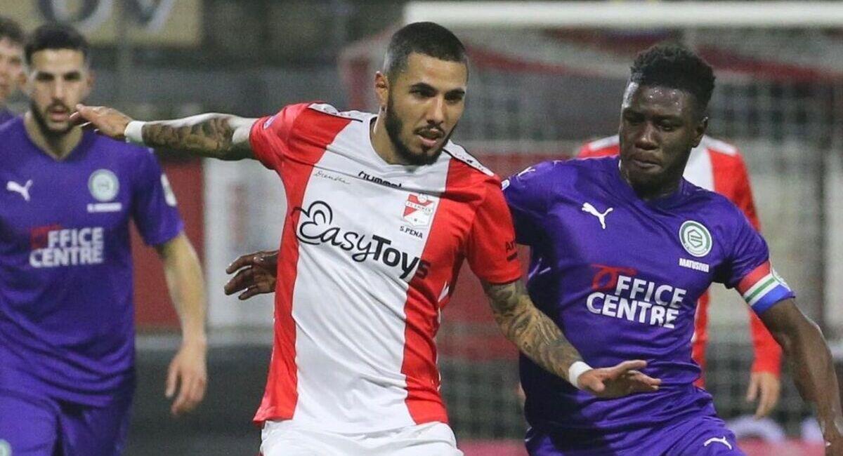 Sergio Peña no pudo aportar mucho para FC Emmen. Foto: Instagram fc_emmen