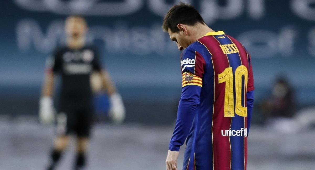 Expulsión de Lionel Messi. Foto: EFE