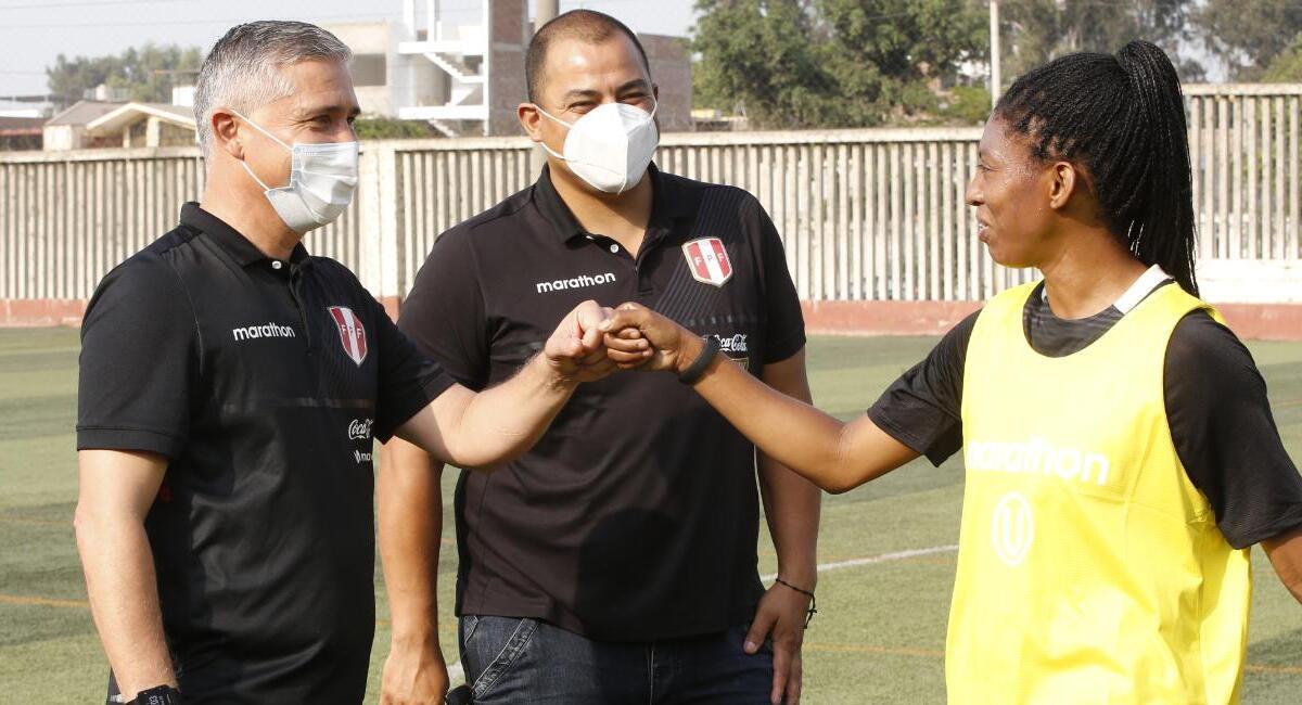 Doriva Bueno presente en el Monumental. Foto: Twitter Federación Peruana de Fútbol