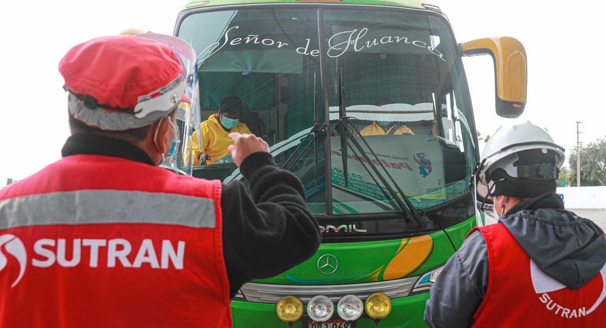Buses interprovinciales con nuevo horario. Foto: Andina
