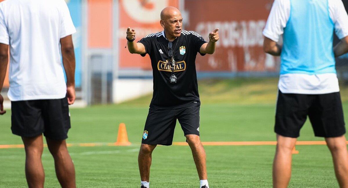 Roberto Mosquera quiere hacer un buen papel en Liga 1 y Copa Libertadores. Foto: Twitter Club Sporting Cristal