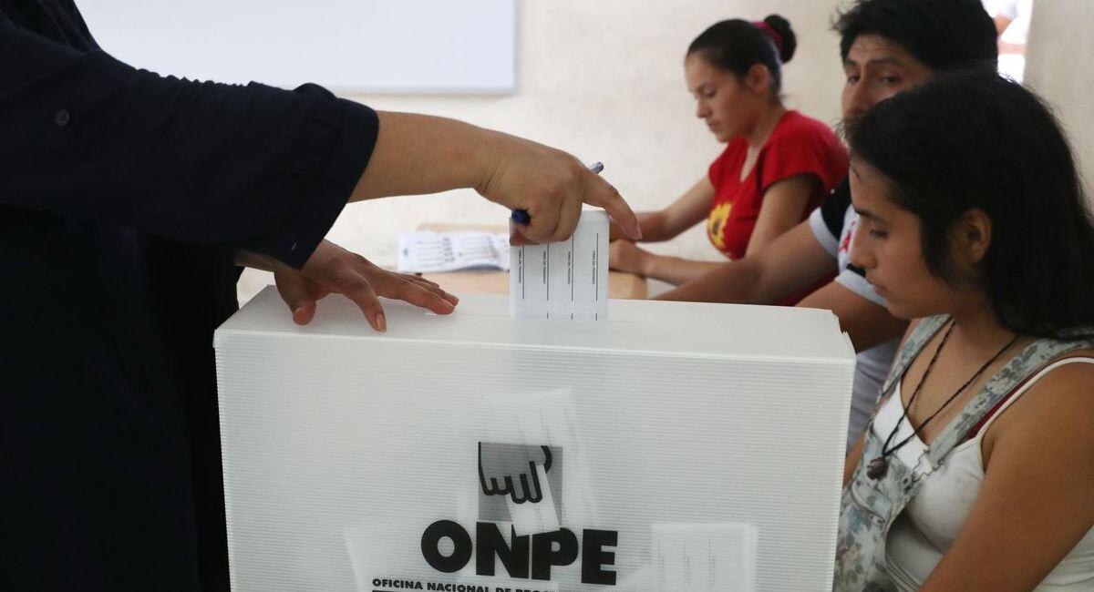Miembros de mesa serán, en su mayoría, los jóvenes. Foto: Andina