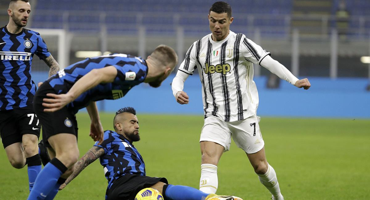 Cristiano Ronaldo le ganó el duelo a Arturo Vidal. Foto: Twitter Difusión