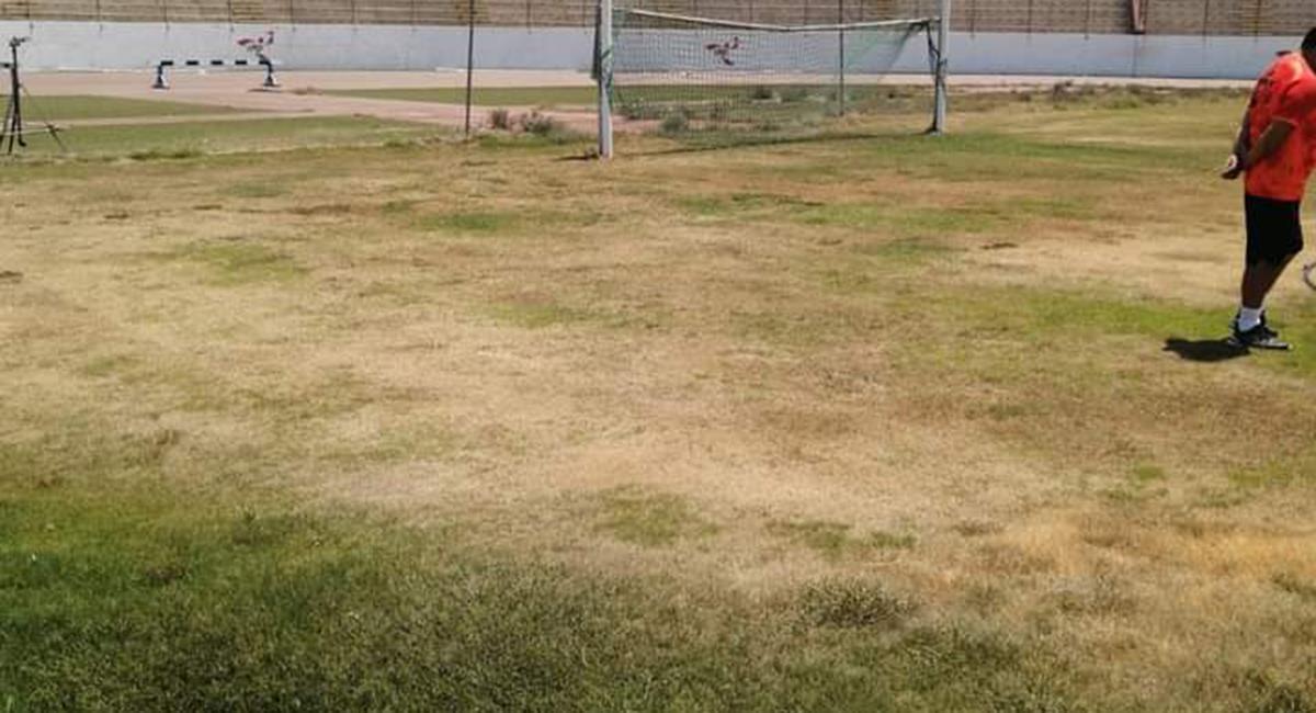 Estadio Mansiche luce un mal estado. Foto: Twitter @EdwardAlva08