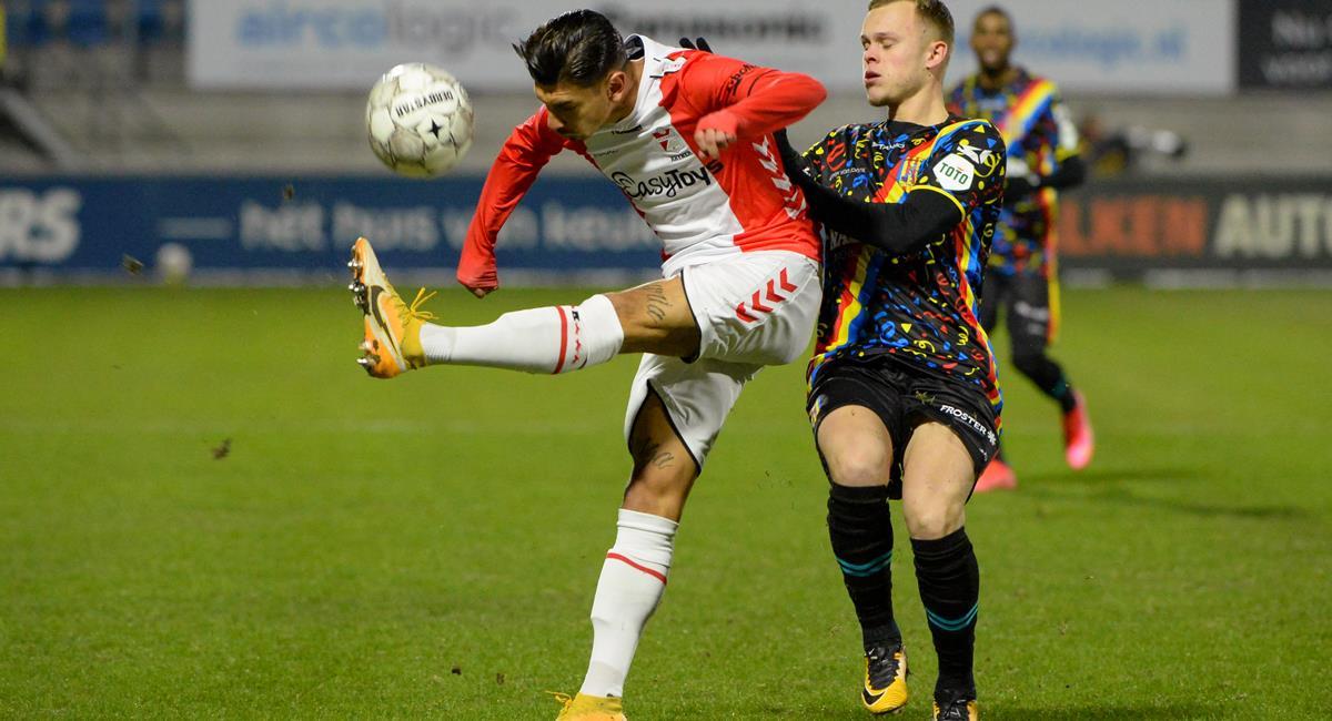 FC Emmen cayó de visitante con los peruanos en cancha. Foto: Twitter @RKCWAALWIJK