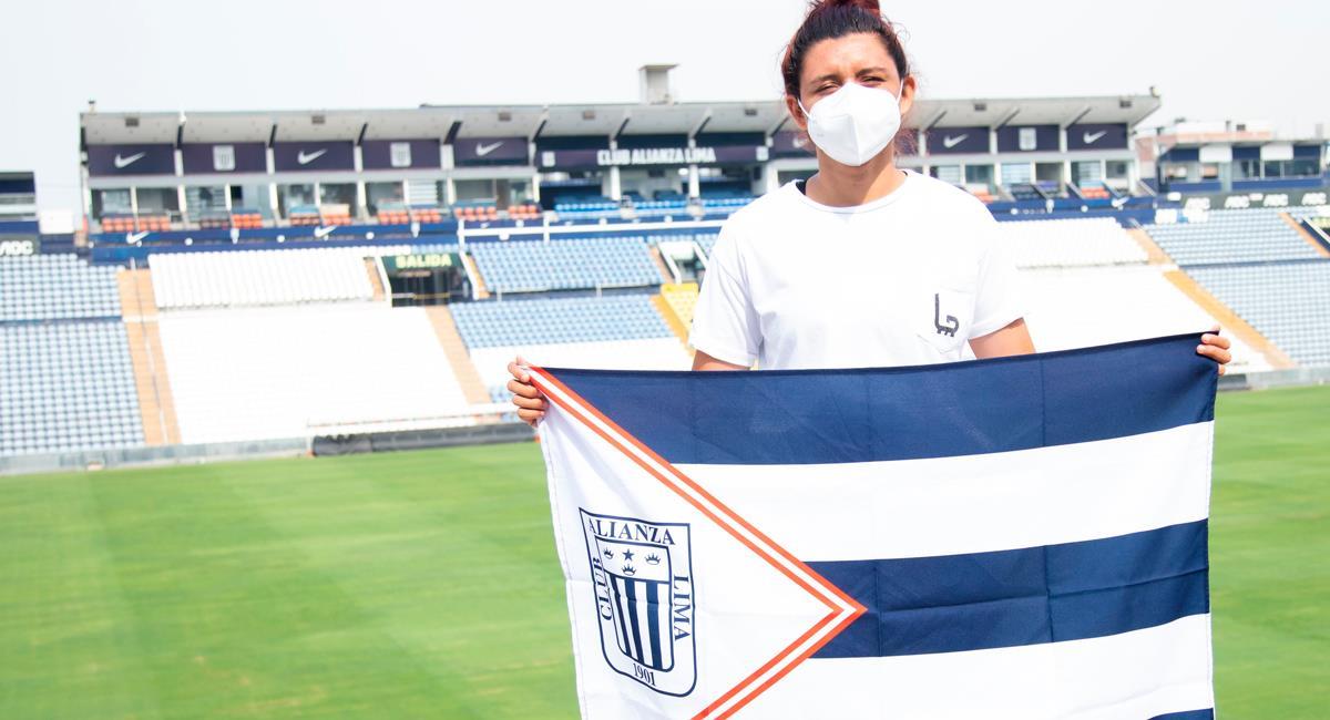 Cindy Novoa fichó por Alianza Lima este 2021. Foto: Twitter @CindyNovoa22