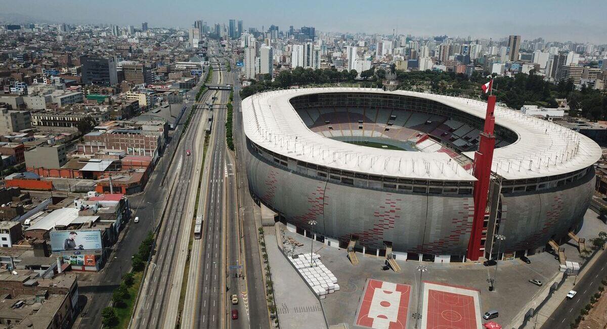 Estadio Nacional es uno de los escenarios que quiere albergar la final de Libertadores. Foto: Andina