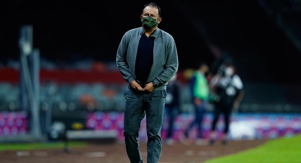 Juan Reynoso es actual líder con Cruz Azul en la Liga MX. Foto: Twitter @CruzAzulCD