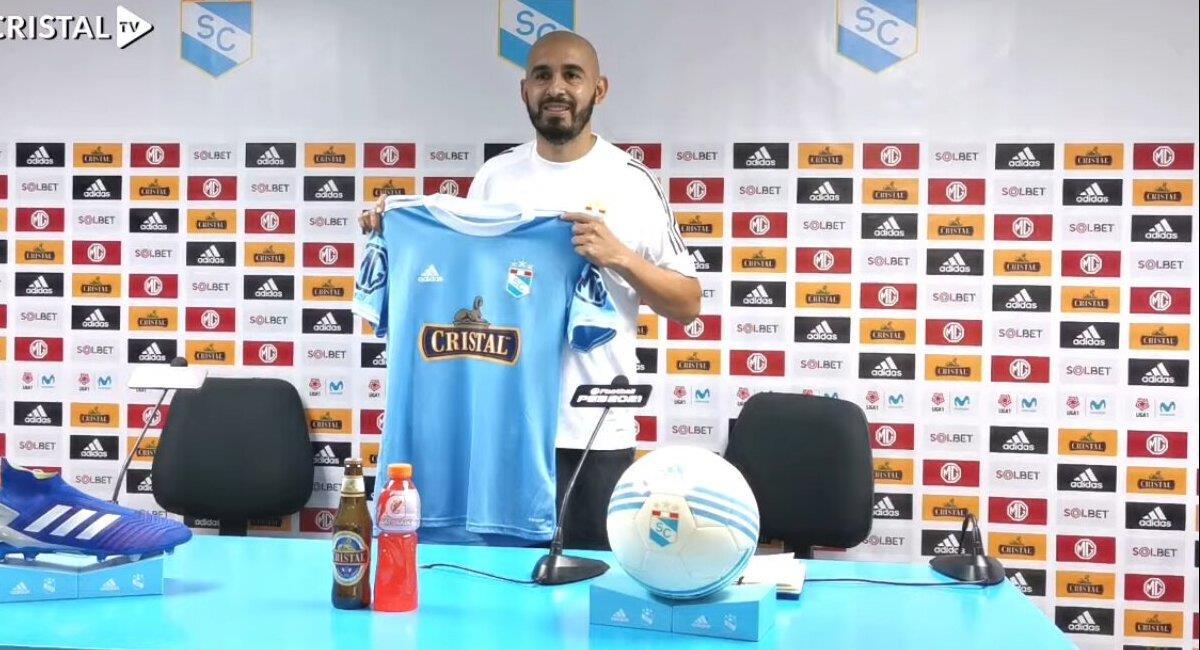 Riquelme es nuevo jugador de Sporting Cristal. Foto: Youtube Captura Cristal TV