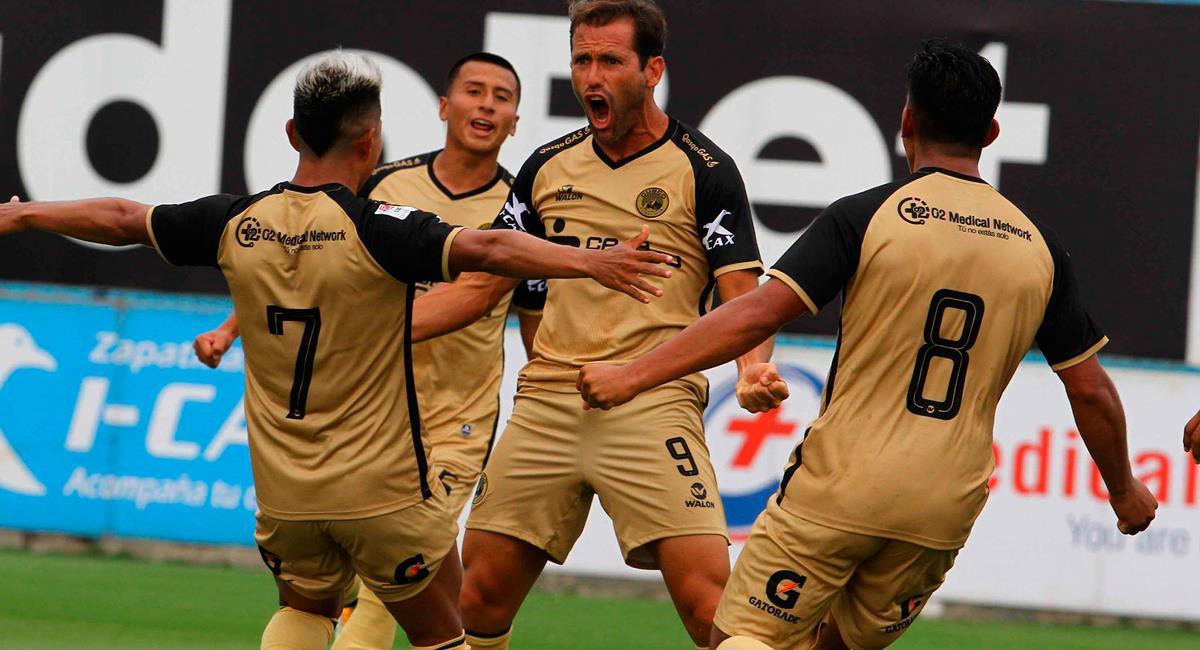 Mauricio Montes quedó molesto tras empate entre Alianza Limay Cusco FC. Foto: Twitter @LigaFutProf