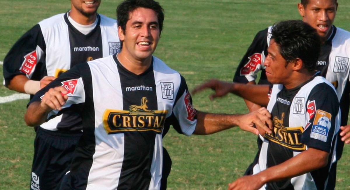 Claudio Velásquez jugó en Alianza Lima en la temporada 2009. Foto: Andina