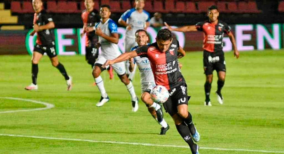 Wilder Cartagena fue titular en Godoy Cruz este domingo. Foto: Twitter