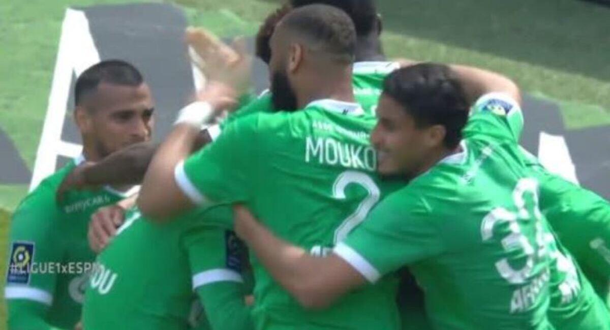 Miguel Trauco celebra el gol de Saint-Étienne. Foto: Twitter Captura ESPN