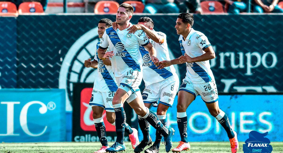Santiago Ormeño abrió la cuenta a los 21 minutos. Foto: Twitter @ClubPueblaMX