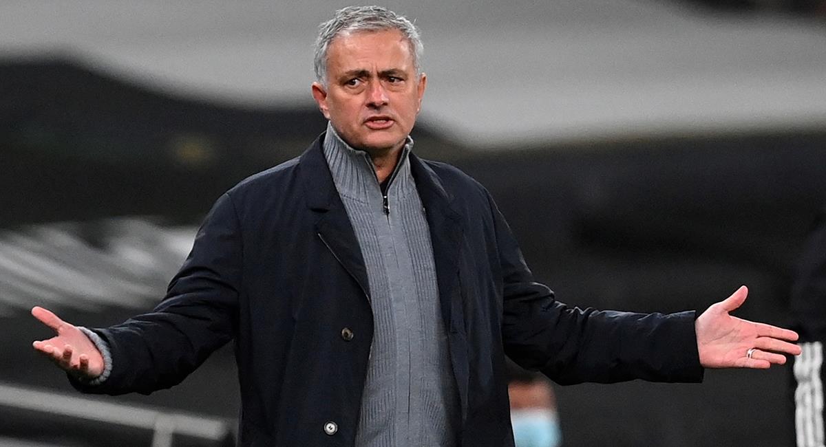 José Mourinho se va por la puerta falsa del Tottenham. Foto: EFE