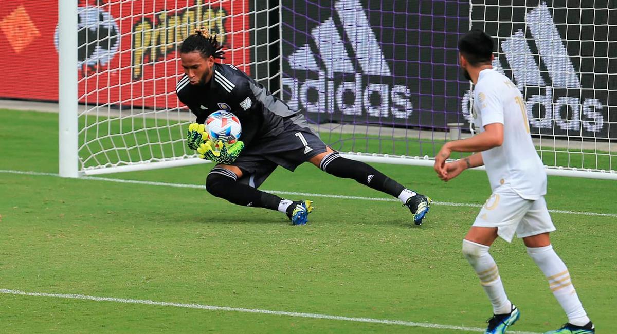 Pedro Gallese volvió a la acción con Orlando City. Foto: Twitter @pedrogallese