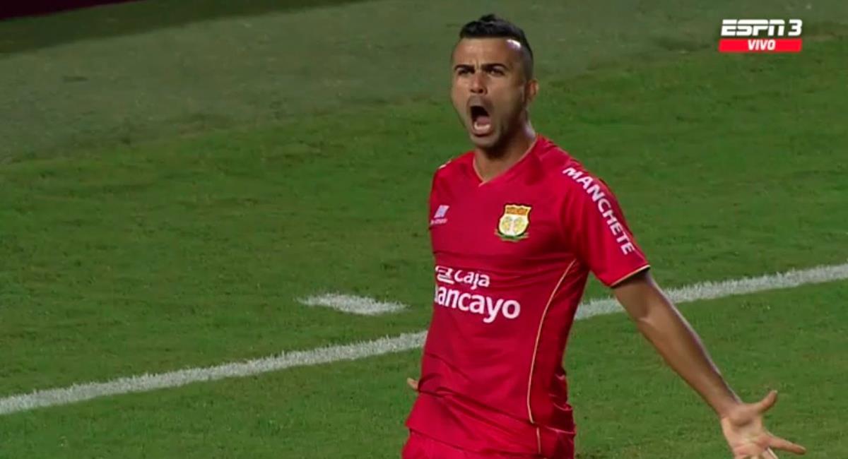 Liliu marcó el 1-1 de Sport Huancayo vs Peñarol. Foto: Twitter Difusión