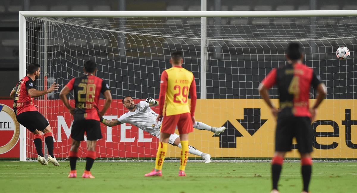 Bernardo Cuesta marcó un 'doblete' frente a Aucas. Foto: Twitter @Sudamericana