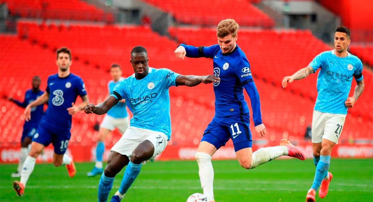 Manchester City y Chelsea se ven en una final adelantada este sábado por la Premier League. Foto: Twitter