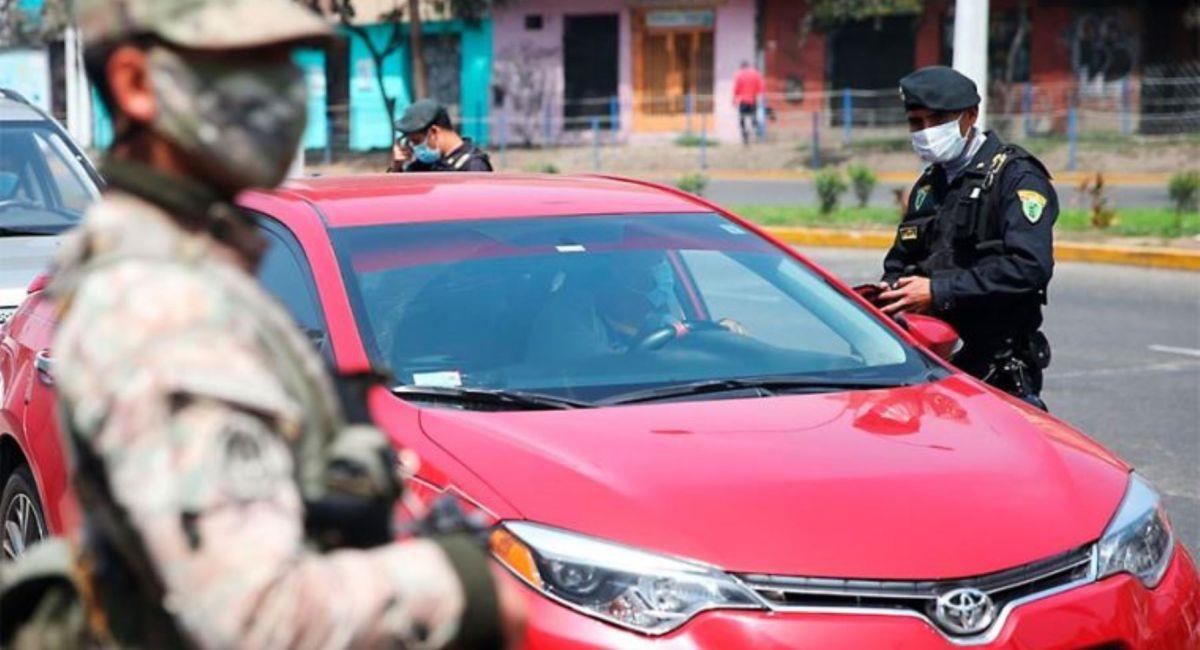 Los autos particulares no saldrán los domingos de mayo. Foto: Andina