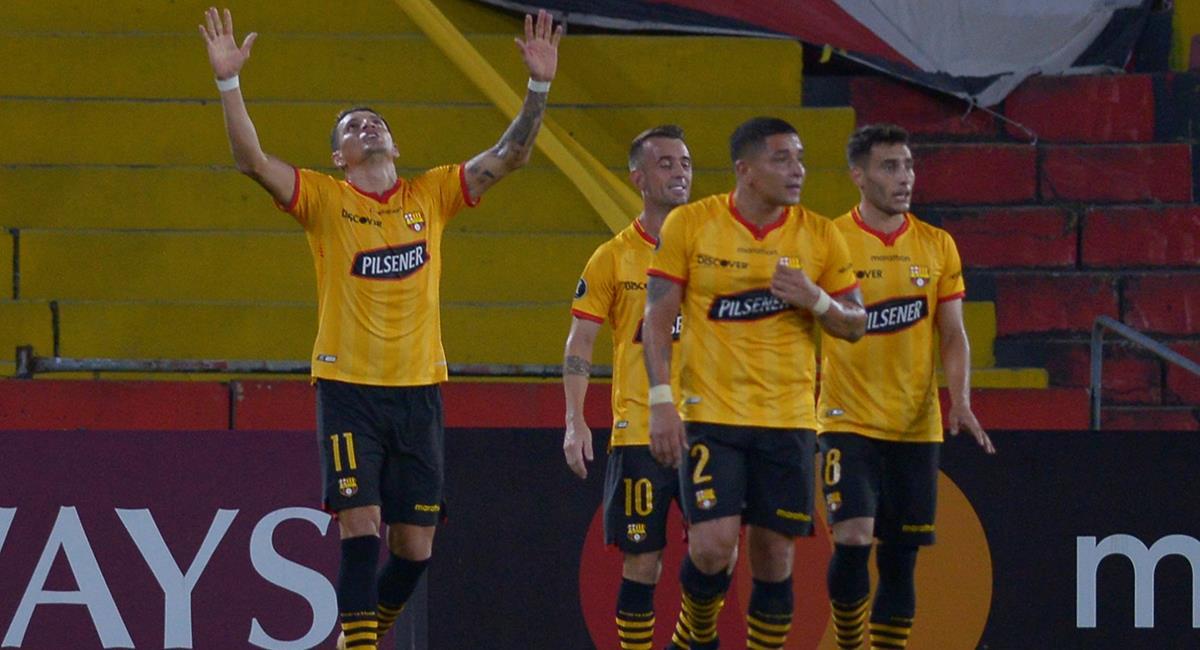 Barcelona quiere asegurar su presencia en octavos de final. Foto: EFE