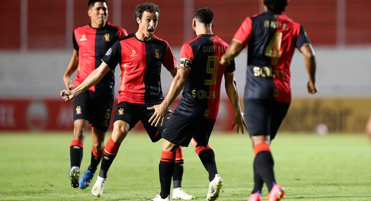 Bernardo Cuesta apareció a los 7 minutos. Foto: EFE