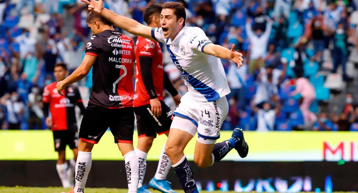 Santiago Ormeño celebra su pase a semifinales de la Liga MX. Foto: EFE