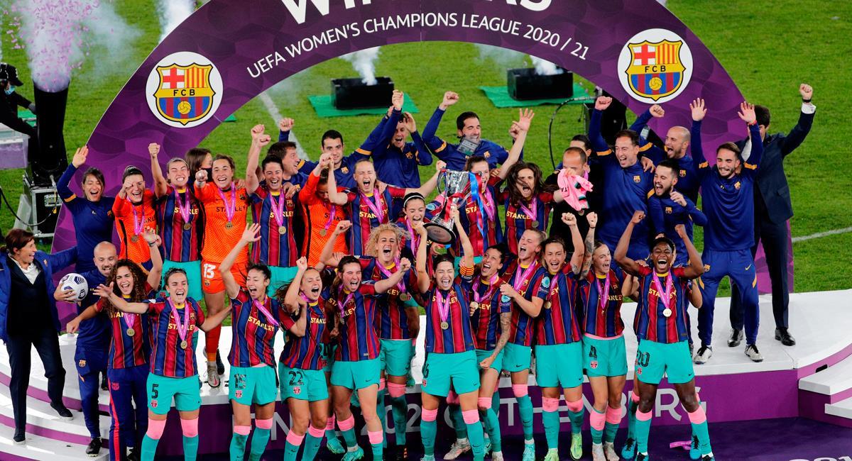 Barcelona alzó su primer título en la Champions League Femenina. Foto: EFE