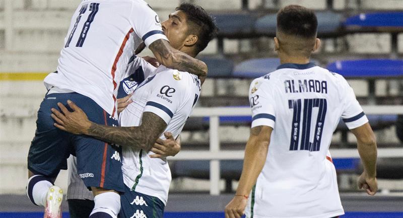 Con Luis Abram, Vélez Sarsfield venció 2-1 a Unión La Calera por la fecha 5  de la Copa Libertadores