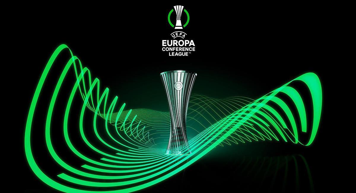 Nuevo trofeo de la Conference League. Foto: Twitter UEFA