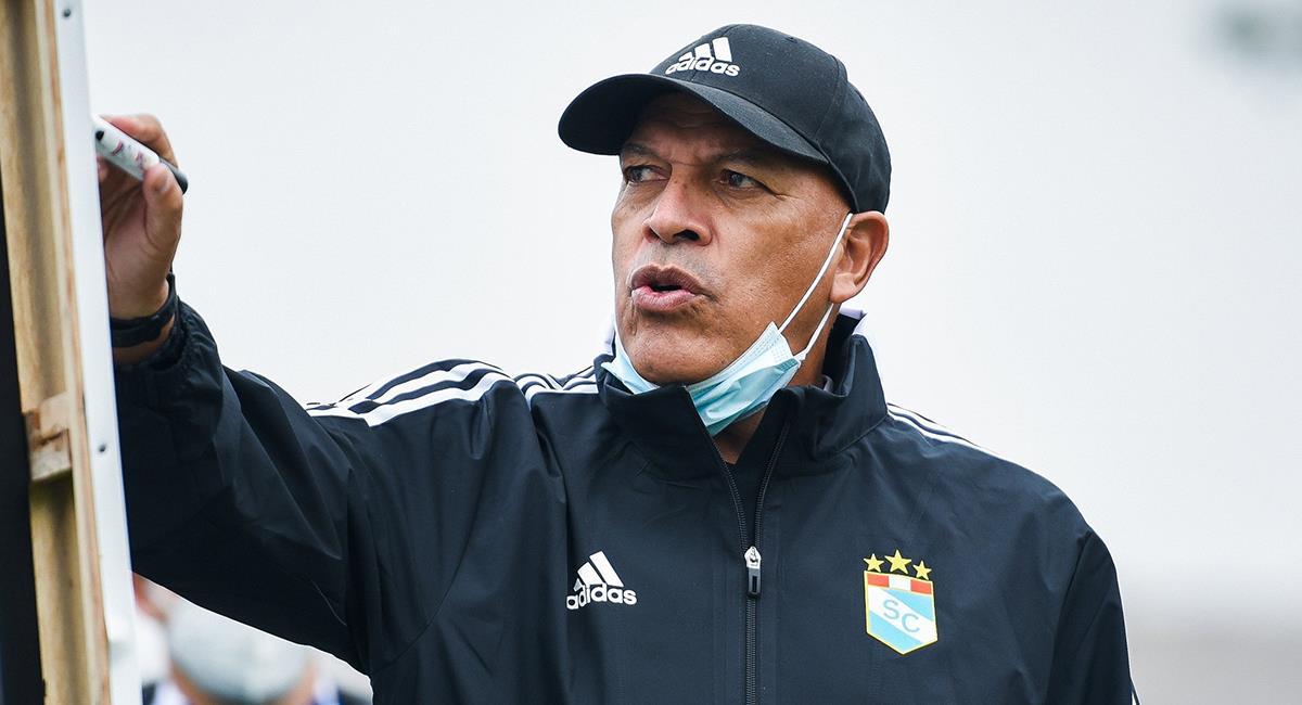 Roberto Mosquera espera una mejor imagen en la Sudamericana. Foto: Twitter Club Sporting Cristal