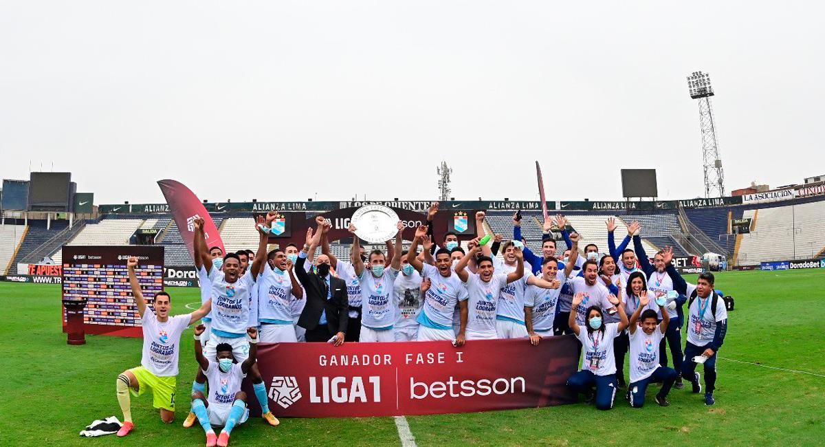 Sporitng Cristal es el ganador de la Fase 1 de la Liga 1. Foto: Twitter @LigaFutProf