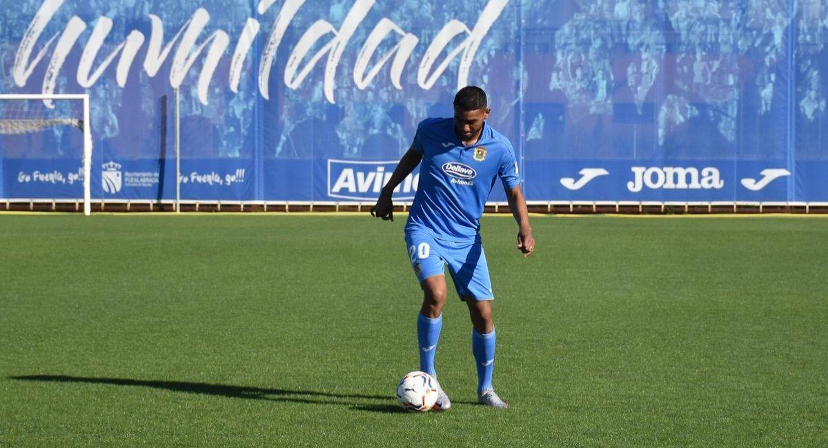 Aldair Fuentes jugó en el triunfo del Fuenlabrada. Foto: Facebook