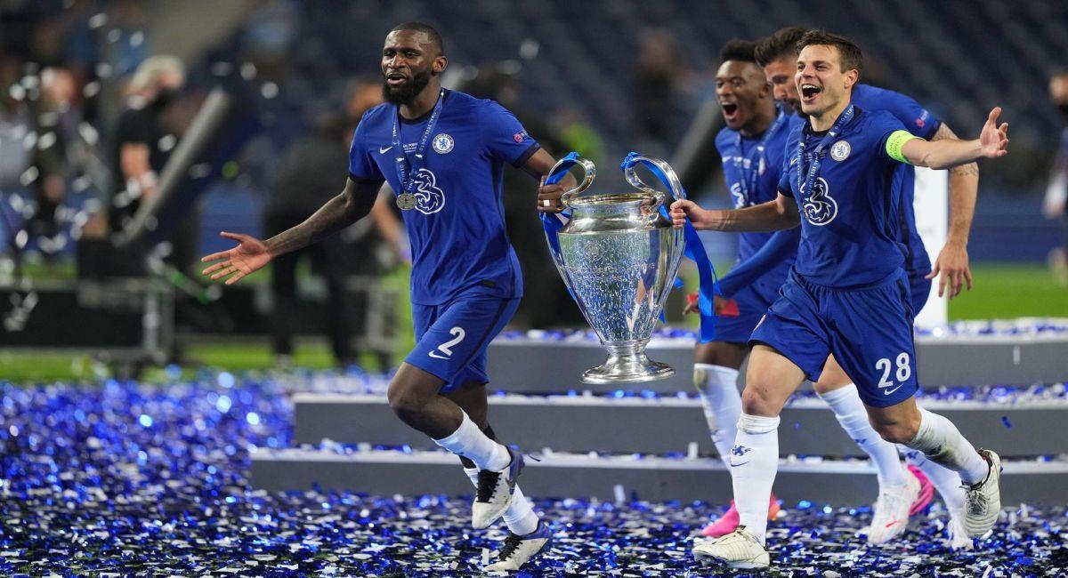 Chelsea, celebrando el haber ganado la Champions League. Foto: EFE