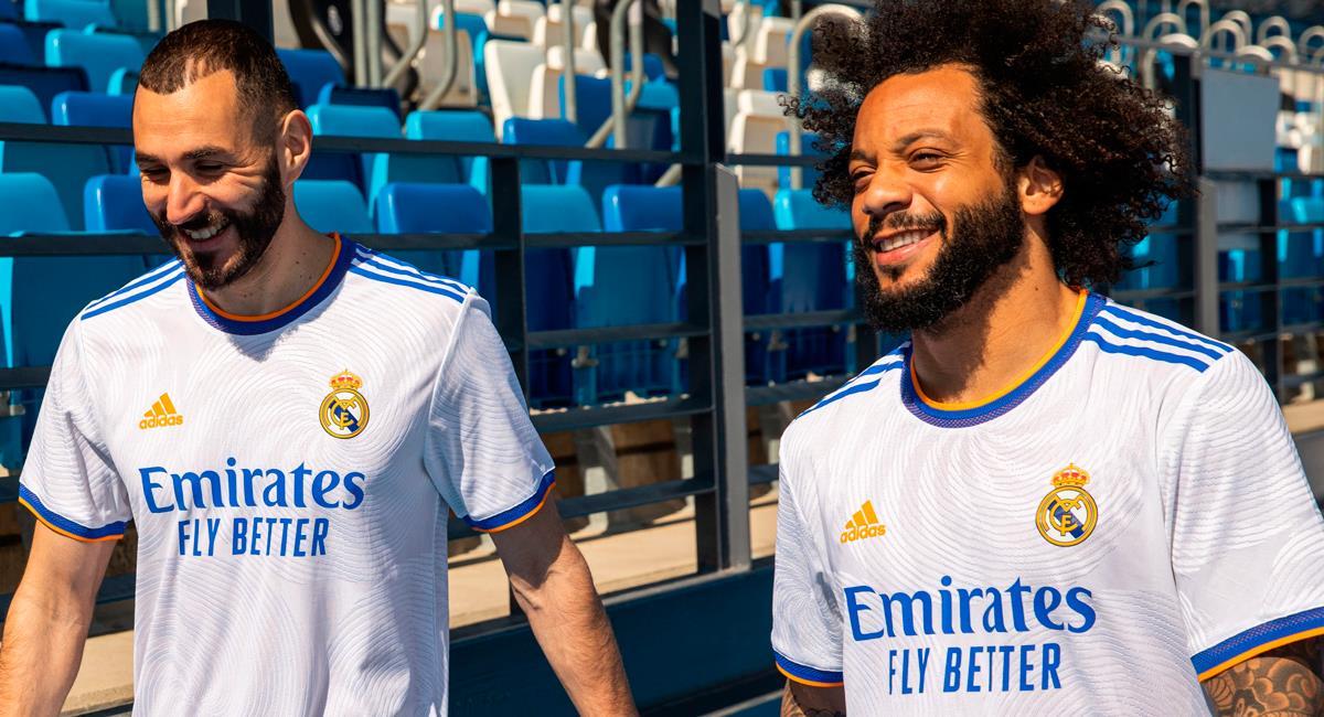 Karim Benzema y Marcelo lucen nueva camiseta de la temporada. Foto: EFE