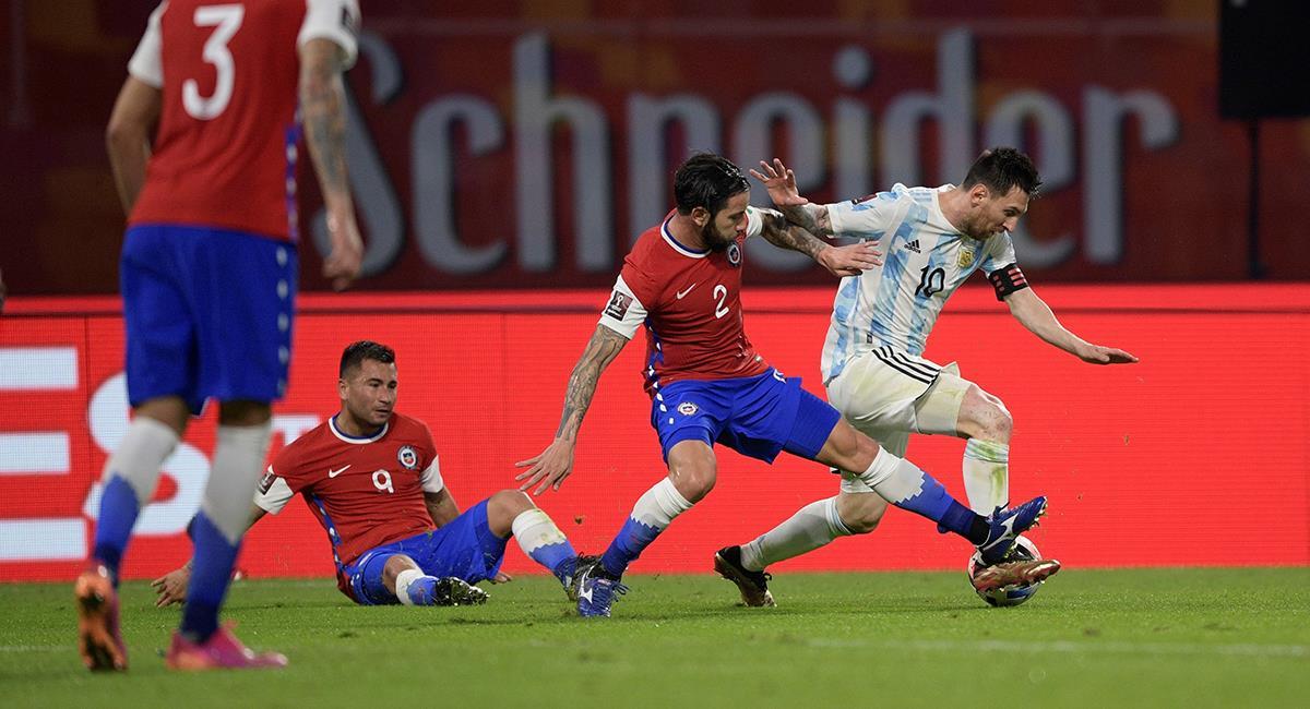 Argentina se reparte los puntos con Chile. Foto: EFE
