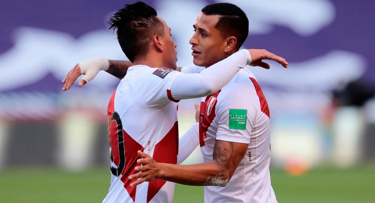 Yoshimar Yotún resaltó el gran triunfo de la Selección Peruana. Foto: EFE