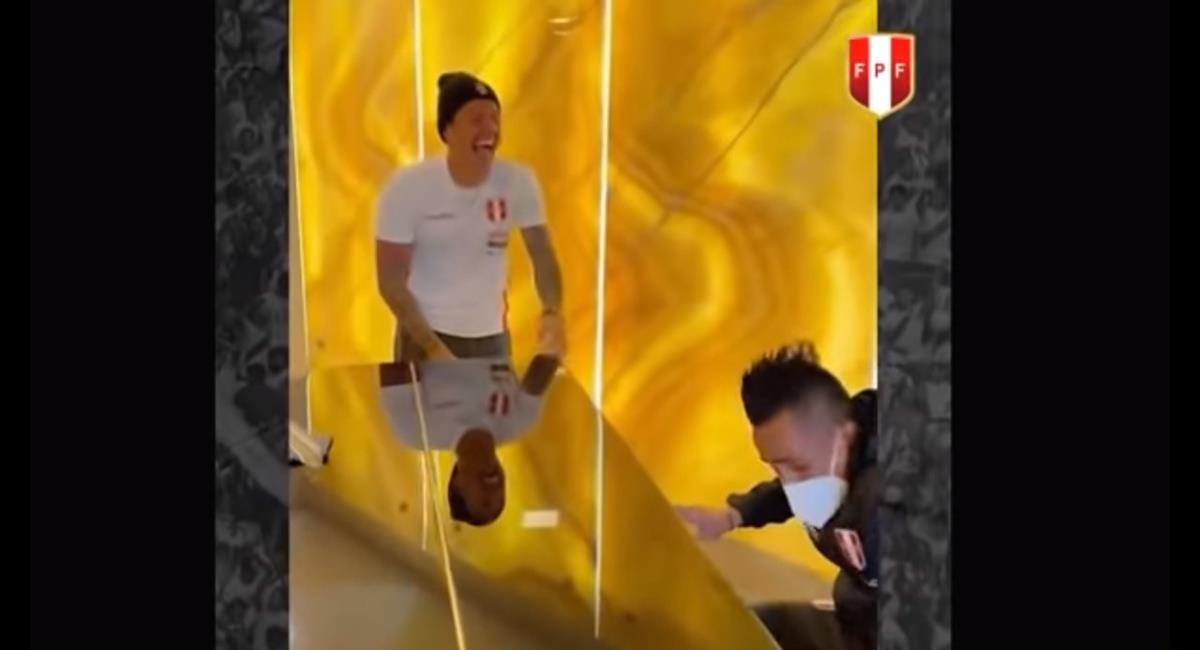Gianluca Lapadula comentó el video en el que toca piano con Cueva. Foto: Twitter Selección Peruana