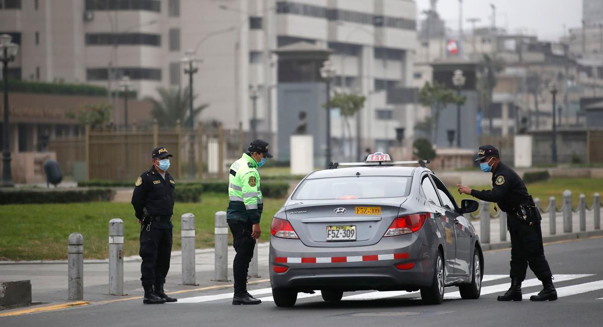 Autos particulares no podrán circular este domingo 13 de junio. Foto: Andina
