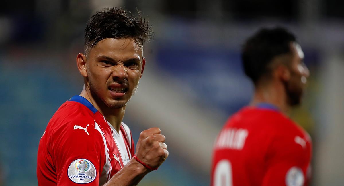 Doblete de Romero para victoria de Paraguay. Foto: EFE