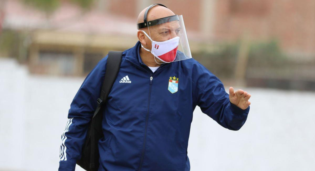 Roberto Mosquera, entrenador de Sporting Cristal. Foto: Andina