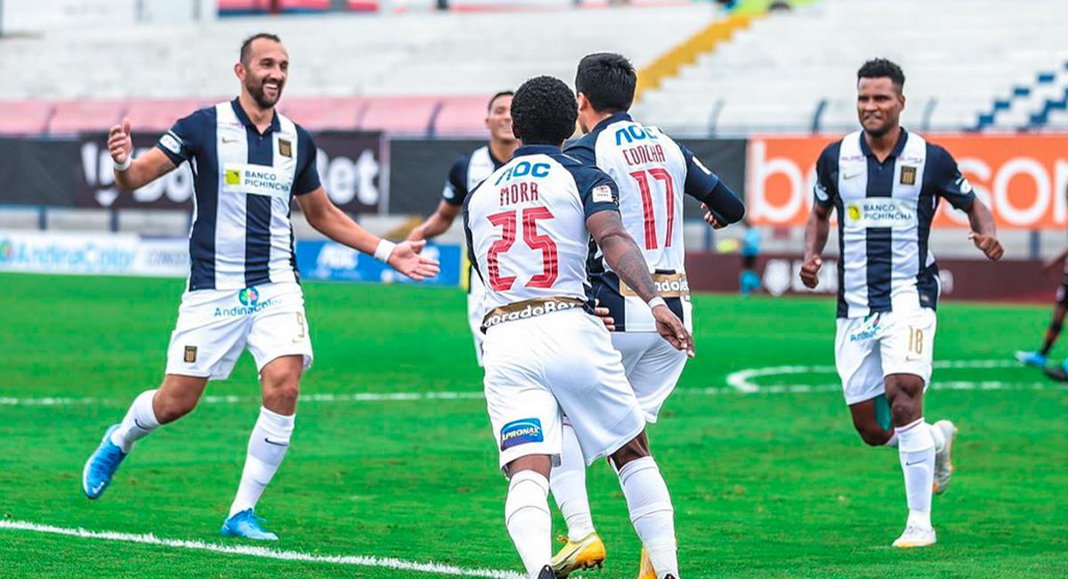 Hernán Barcos fue la figura en el duelo con Ayacucho FC. Foto: Twitter @LigaFutProf