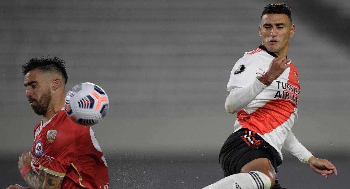 Argentinos Juniors y River Plate chocan en la Copa Libertadores. Foto: EFE