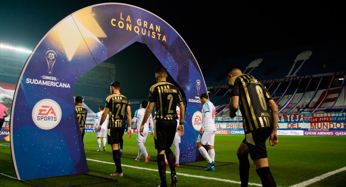 Peñarol y Nacional se enfrentan por la Copa Sudamericana. Foto: Twitter @OficialCAP