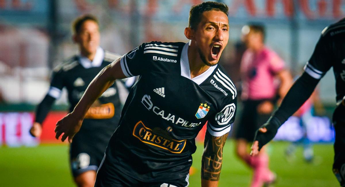 Christofer Gonzáles marcó un golazo de 'chalaca'. Foto: Twitter @ClubSCristal