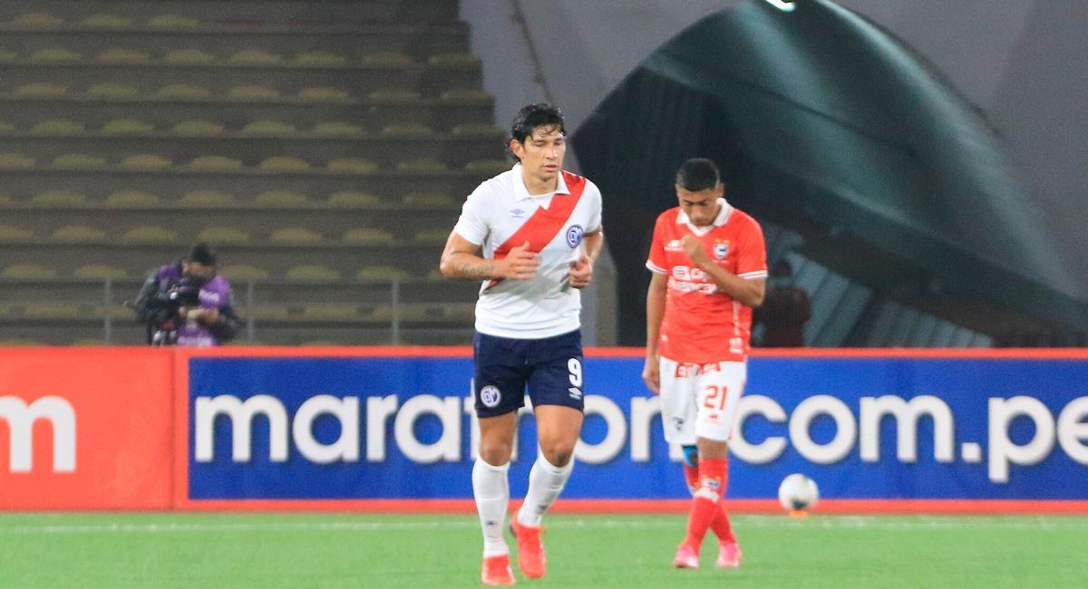 Roberto Ovelar marcó uno de los goles del triunfo de Deportivo Municipal. Foto: FPF